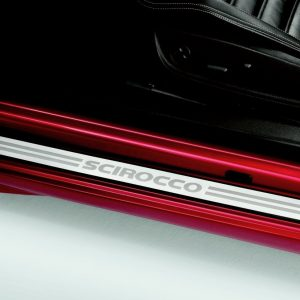 Накладки на пороги Volkswagen Scirocco, с надписью Scirocco