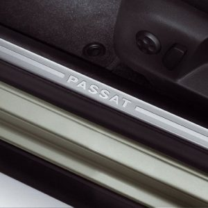 Накладки на пороги Volkswagen Passat (B6), с надписью Passat