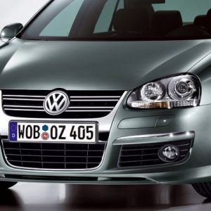Защитная пленка на решетку радиатора Volkswagen Jetta 5