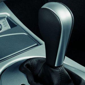 Кожаная рукоятка рычага АКПП с декоративной титановой хромированной вставкой BMW E85/E85 Z4