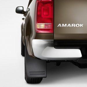 Брызговики задние Volkswagen Amarok (2H), для автомобилей с расширителями колёсных арок