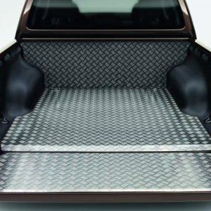 Облицовка багажника Volkswagen Amarok, алюминий