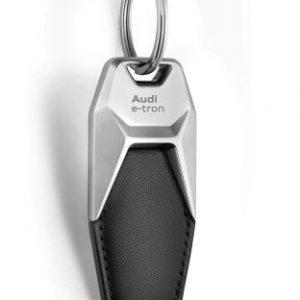 Брелок для ключей Audi e-tron