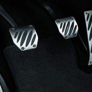 Комплект алюминиевых накладок на педали BMW M Performance для автомобилей с МКПП