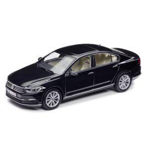 Модель в миниатюре 1:43 Volkswagen Passat B8 Limousine, Deep Black