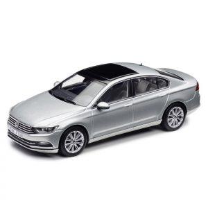 Модель в миниатюре 1:43 Volkswagen Passat B8 Limousine, Tungsten Silver Metallic