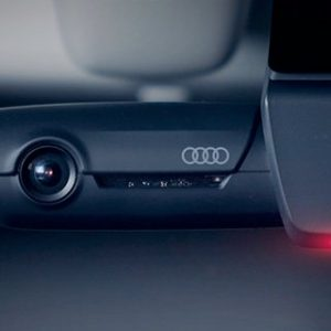 Оригинальный видеорегистратор Audi, передний