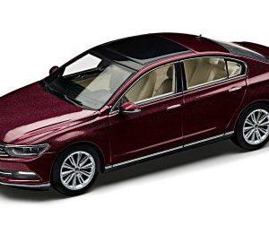 Модель в миниатюре Volkswagen Passat Saloon B8, Crimson Red Metallic, масштаб: 1:43