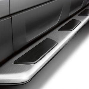 Боковая подножка Audi Q7 (4L), левая сторона
