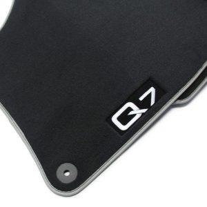 Комплект велюровых ковриков Audi Q7 (4L), контрастная надпись