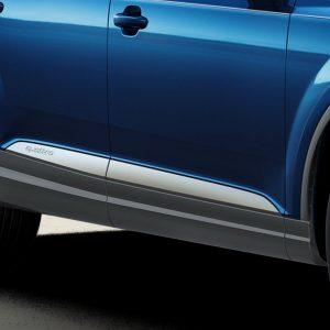 Накладки на пороги Offroad  Audi Q7 (4M), с дверными накладками цвета «серебристый селенит»