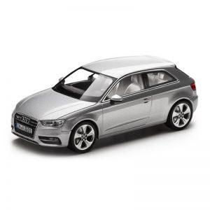 Модель в миниатюре Audi A3, Ice silver, масштаб 1:43
