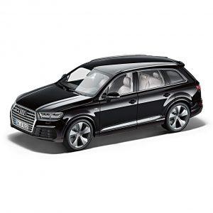 Модель в миниатюре Audi Q7, Orca Black, масштаб 1:18