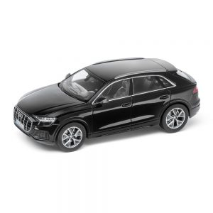 Модель в миниатюре Audi Q8, Orca Black, масштаб 1:43