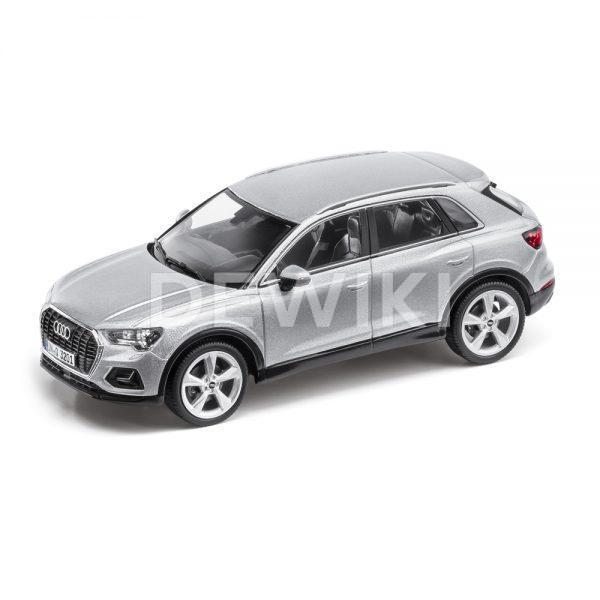 Модель в миниатюре Audi Q3, Floret Silver, масштаб 1:43