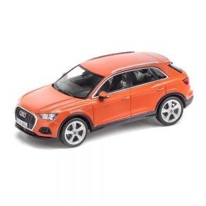 Модель в миниатюре Audi Q3, Pulse Orange, масштаб 1:43