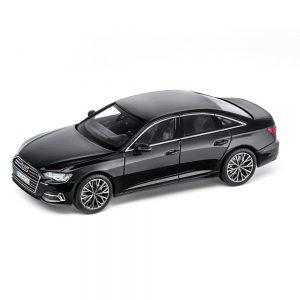 Модель в миниатюре Audi A6, Myth Black, масштаб 1:43