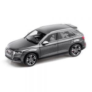Модель в миниатюре Audi SQ5 limited, Daytona Grey, масштаб 1:43