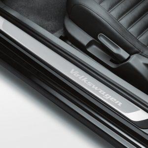 Накладки на пороги Volkswagen Beetle, с надписью Volkswagen