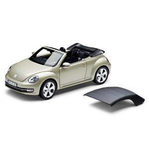Модель в миниатюре 1:18 Volkswagen Beetle Cabrio, Moon Rock Silver Metallic