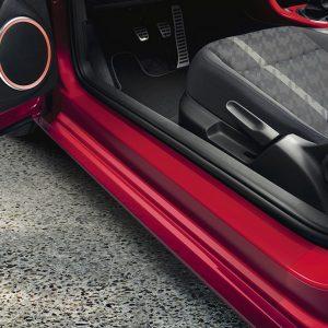 Защитная пленка на пороги Volkswagen Beetle (5C)