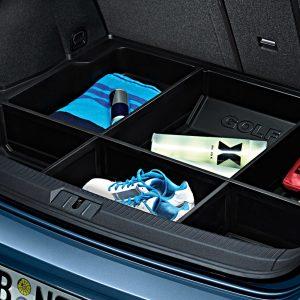 Поддон в багажник Volkswagen Golf 7 с разделителями, для автомобилей с базовым полом багажника