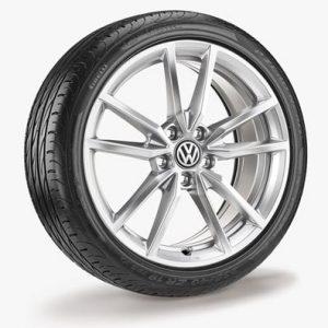 Летнее колесо в сборе VW Golf в дизайне Pretoria,  225/40 R18 92Y/ZR XL, Silver, 7.5J x 18 ET51