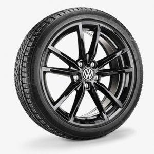 Летнее колесо в сборе VW Golf в дизайне Pretoria,  225/40 R18 92Y/ZR XL, Black, 7.5J x 18 ET51