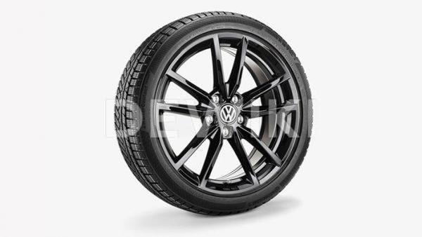 Зимнее колесо в сборе VW Golf в дизайне Pretoria, 225/40 R18 92V XL, Black, 7.5J x 18 ET51