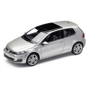 Модель в миниатюре 1:43 Volkswagen Golf 7, Tungsten Silver Metallic