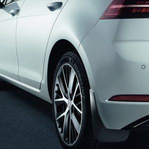 Брызговики передние Volkswagen Golf 6 / 6 GTI / 6 Cabrio / 6 Variant