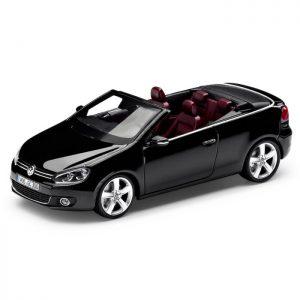 Модель в миниатюре 1:43 Volkswagen Golf Cabriolet, Deep Black Pearl Effect