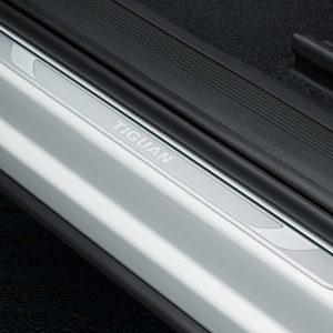 Накладки на пороги Volkswagen Tiguan (5N) с 2016 года, с надписью Tiguan