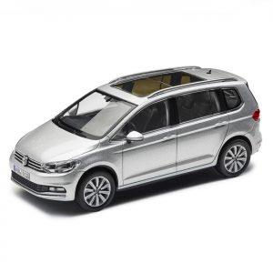 Модель в миниатюре 1:43 Volkswagen Touran, Reflex Silver Metallic