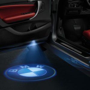 Светодиодные проекторы в дверях BMW