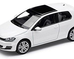 Модель в миниатюре 1:43 Volkswagen Golf VII, Oryx White
