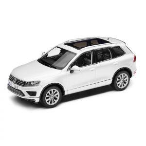 Модель в миниатюре 1:43 Volkswagen Touareg, Pure White