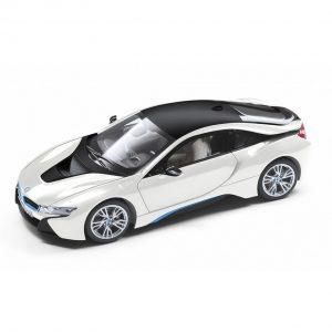 Миниатюрная модель BMW i8 (i12), Crystal White, масштаб 1:18