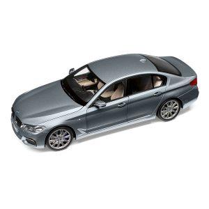 Миниатюрная модель BMW 5 серии (G30), Sophisto Grey, масштаб 1:18