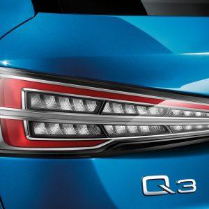 Светодиодные задние фонари Audi Q3, прозрачное стекло