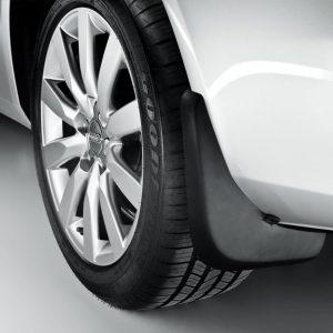 Брызговики передние Audi A4 (8W/B9), для автомобилей с дизельными двигателями и 6-цилиндровыми бензиновыми двигателями