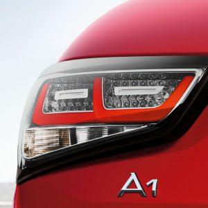 Светодиодные задние фонари Audi A1 (8X), с прозрачными рассеивателями