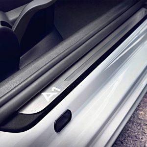 Молдинги порогов Audi А1 Hatchback