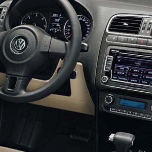Отделка центральной консоли Volkswagen Polo 5 в стиле Carbon-Optik