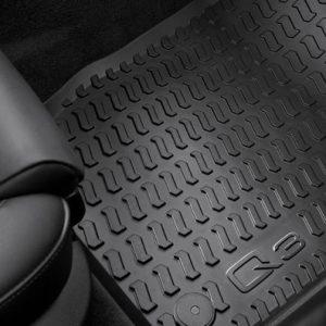 Резиновые передние коврики Audi Q3 (8U)