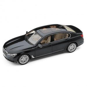 Миниатюрная модель BMW 7 серии Long, Sophisto Grey, масштаб 1:18