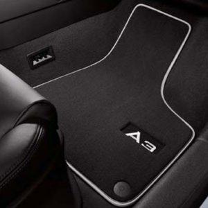 Комплект велюровых ковриков Audi A3 (8V), контрастная надпись