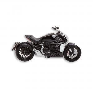 Коллекционная модель Ducati  XDiavel в масштабе 1:18