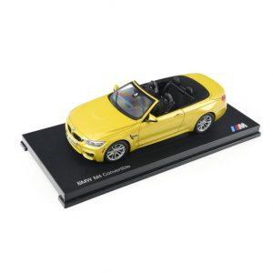 Миниатюрная  модель BMW M4 Кабриолет (F83), Austin Yellow, масштаб 1:18