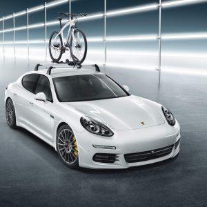 Устройство для траснпортировки велосипеда на крыше Porsche